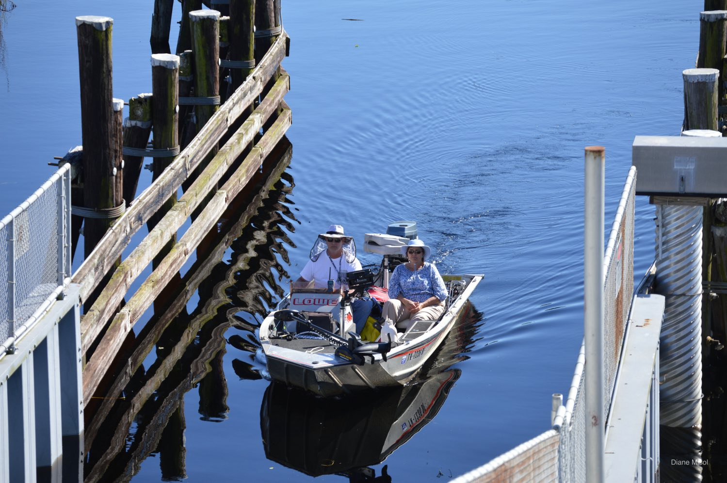Boat waiting at the Lake Okeechobee Lock