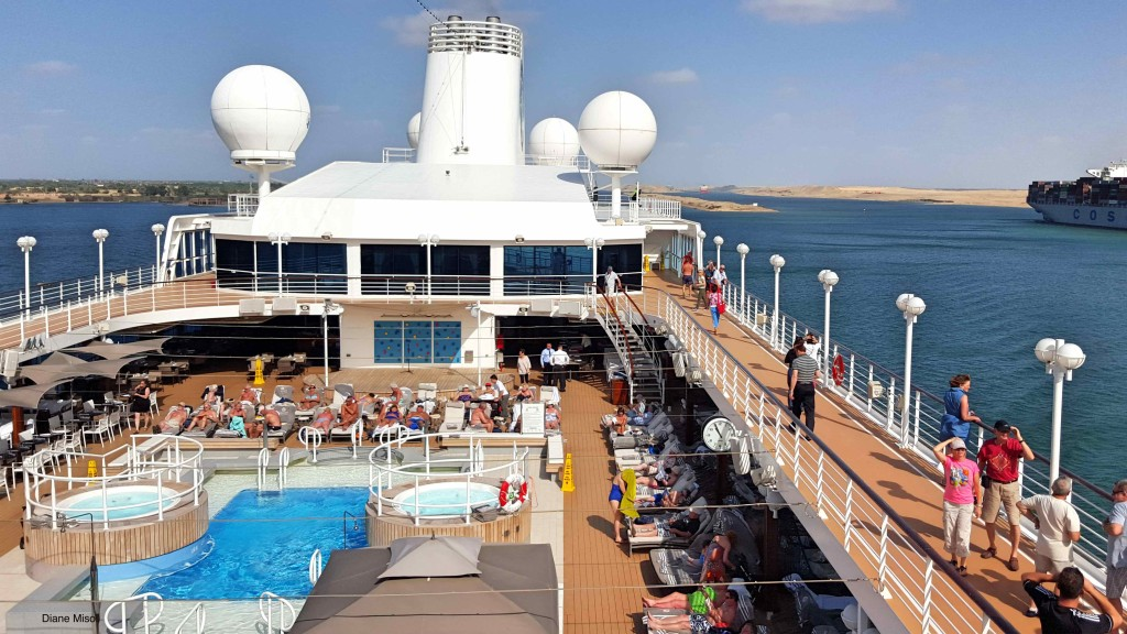 Cruise ship Pool, Azamara