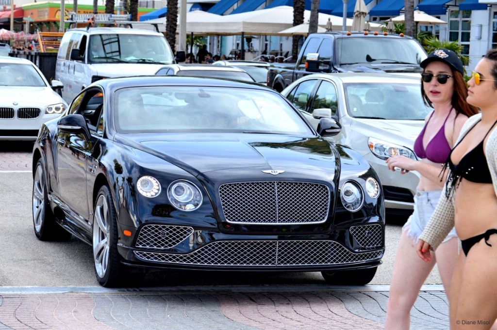 Bentley on tour, Fort Lauderdale Beach, FL, USA