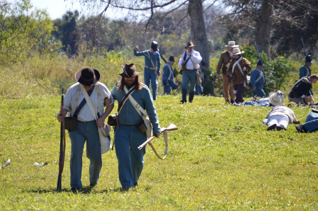 Helping the Injured, Battle Of Okeechobee, Florida