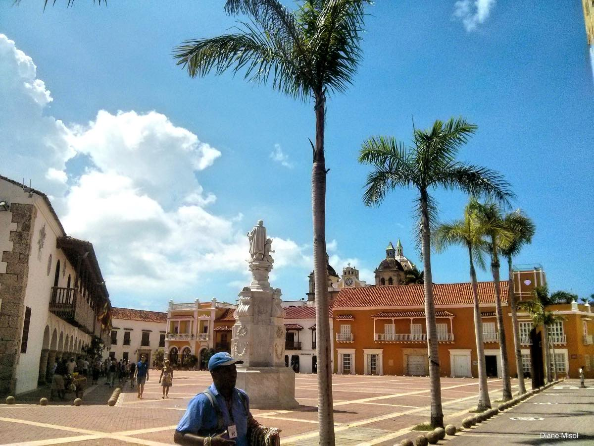 Plaza Santo Domingo, Cartagena, Colombia
