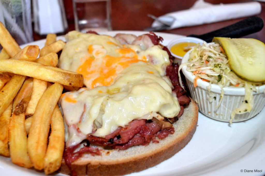 Reuben Sandwich, Gorge Country Kitchen.