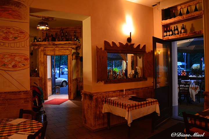 Al Colosseo, Berlin. Italian Restaurant, Interior