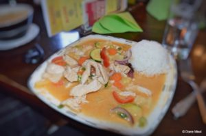 Red Curry Chicken, Hanoi Restaurant