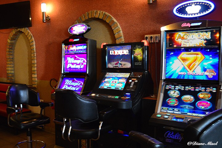 Gambling machine rental