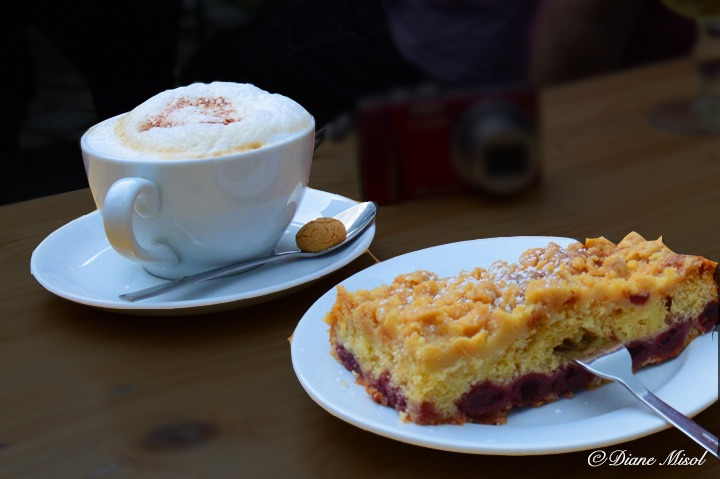 Cherry Streusel and Cappuccino. Cafe Lehmsofa, Berlin