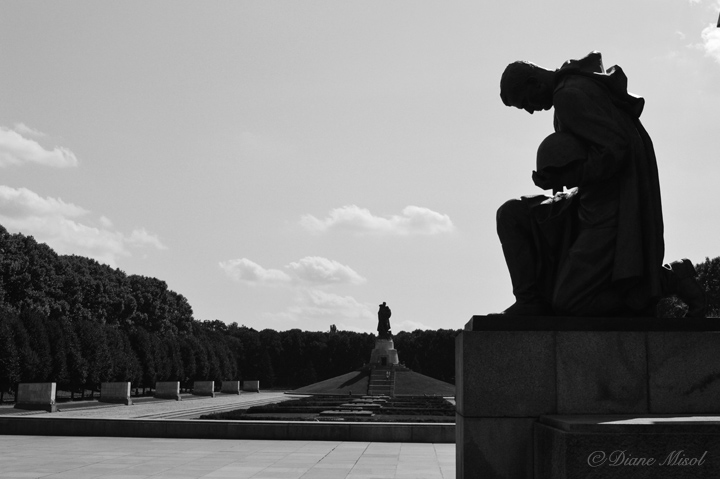 Kneeling Soldier. Treptower Park, Berlin