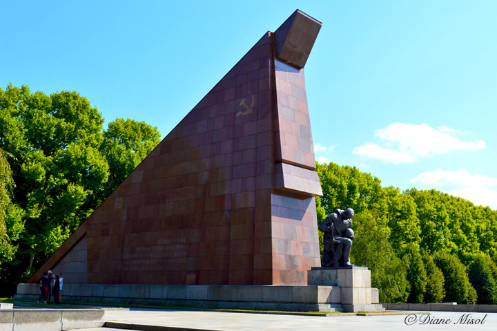 Red Granite Soviet Flag. Treptower Park Memorial, Berlin