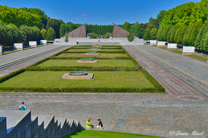 Soldier Viewpoint, Treptower Park Soviet War Memorial
