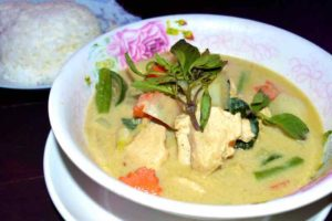 Green Curry - Restaurant DK 3 Milan Pizza - Vang Vieng, Laos