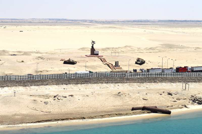 Suez Canal Soldier Monument and Tanks - 0096
