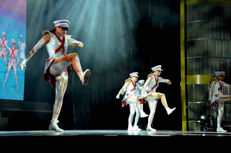 Huge Step for Army Dancers of Maxx - Cruise Show - 0130