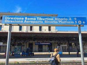 Roma Trastevere Train Platform sign to Airport