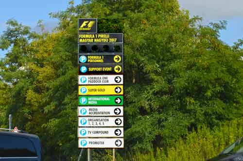 Organized Parking Signs on Arrival - Hungaroring, Formula 1