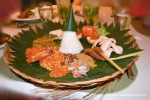 Balinese Set Menu - Yonne Cafe & Bar, SenS Hotel Ubud