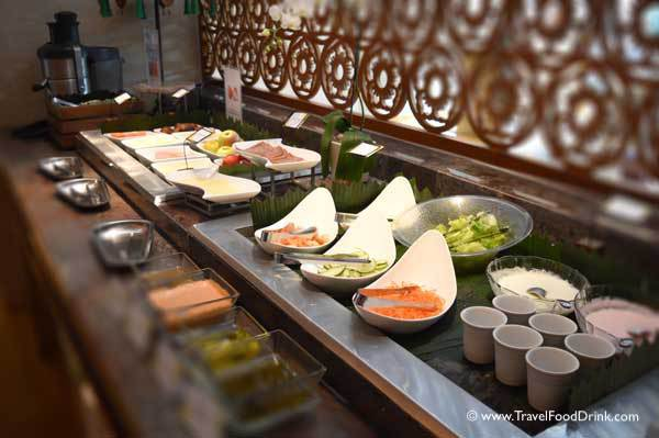 Yonne Cafe Bar Ubud, Breakfast Buffet