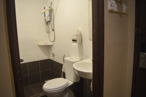Clean Shower, Toilet and Sink - Bary Inn, Malaysia
